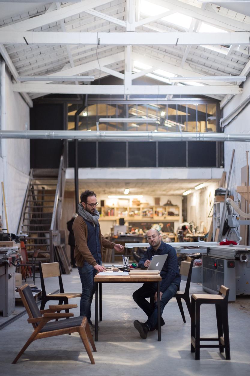 Thomas & Martin Dircks dans leur agence atelier, agence d'architecture d'intérieur et de design
