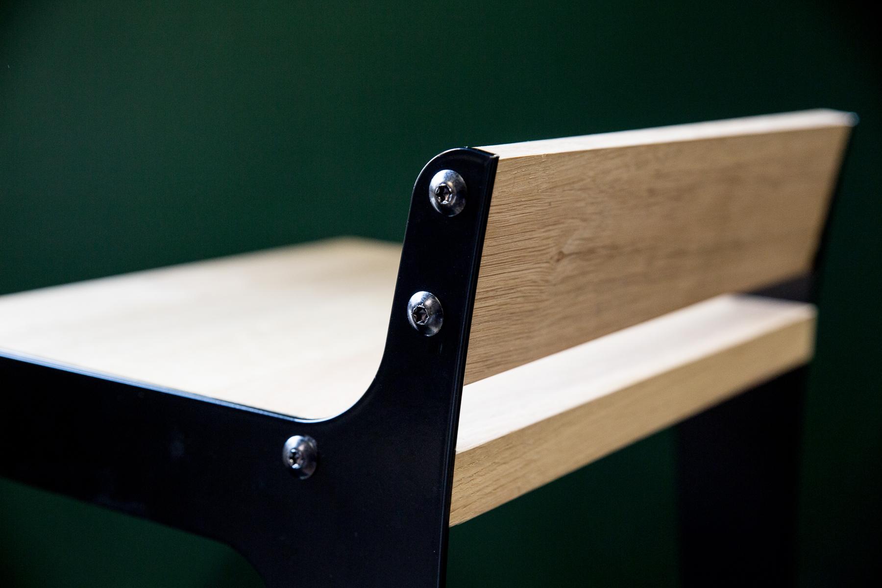 details chaise haute design dircks