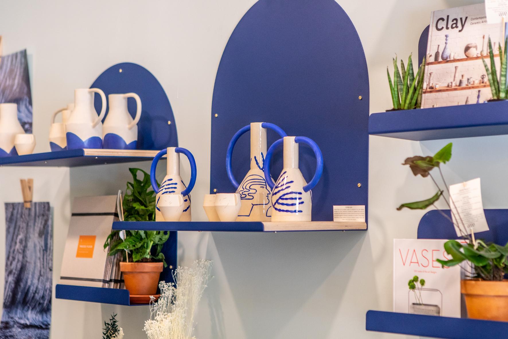 etageres retail décoration bleu